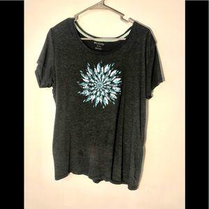 Columbia women's t-shirt size XL